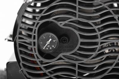 Turbina diesel cu aer cald cu roti si manere Hecht 30383