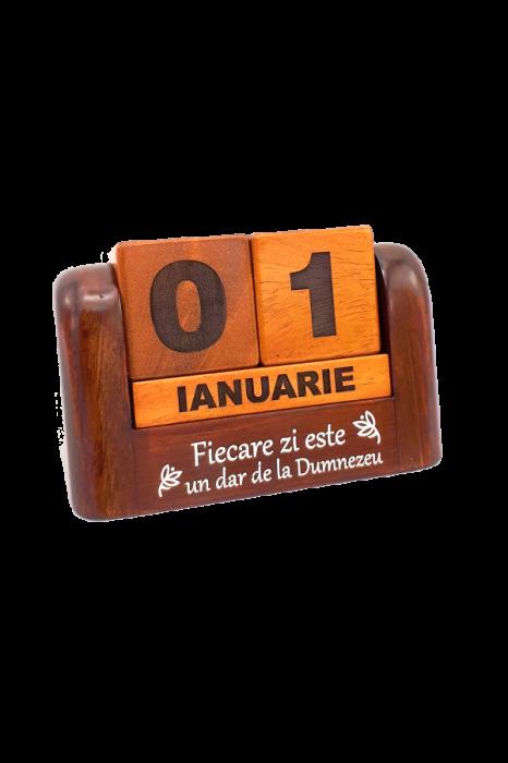 Calendar din lemn pentru birou - Fiecare zi este un dar de la Dumnezeu - GDC02-602R 0