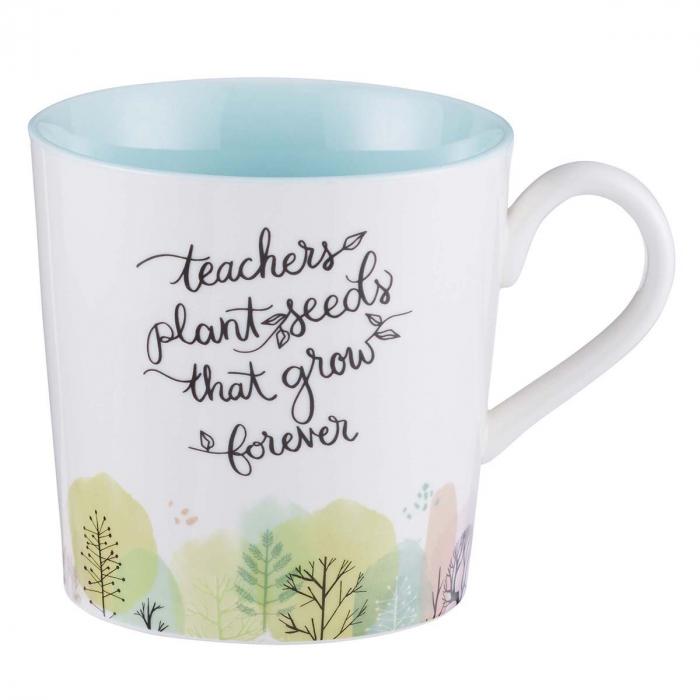 Teachers plant seeds [0]