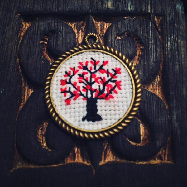 Lantisor copac 0