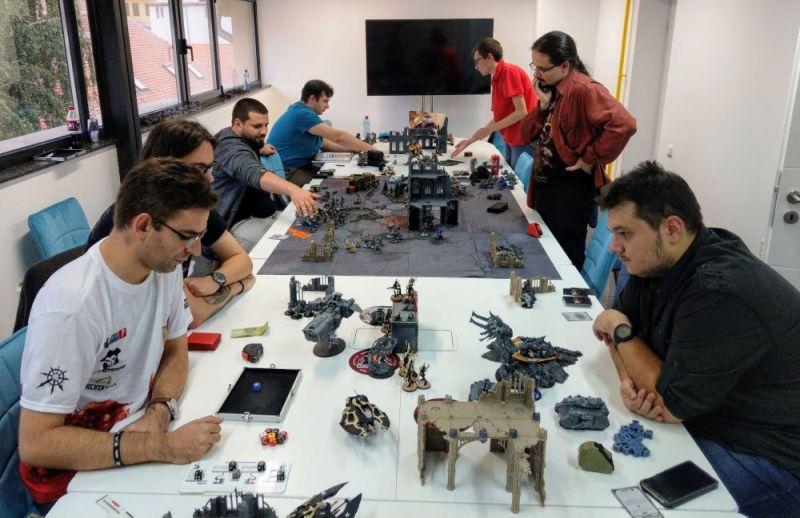 people playing Warhammer 40k