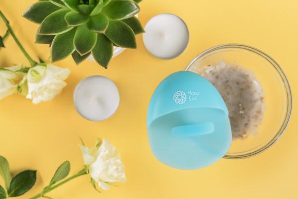 Burete curatare faciala albastru Hana Emi, din silicon alimentar moale si felxibil pentru curățarea în profunzime a tenului si masaj facial 5