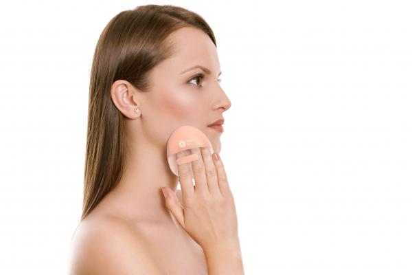 Burete curatare faciala culoare somon Hana Emi, din silicon alimentar moale si felxibil pentru curățarea în profunzime a tenului si masaj facial 0
