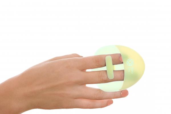 Burete curatare faciala verde Hana Emi, din silicon alimentar moale si felxibil pentru curățarea în profunzime a tenului si masaj facial 1