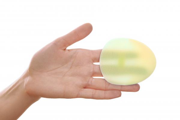 Burete curatare faciala verde Hana Emi, din silicon alimentar moale si felxibil pentru curățarea în profunzime a tenului si masaj facial 2