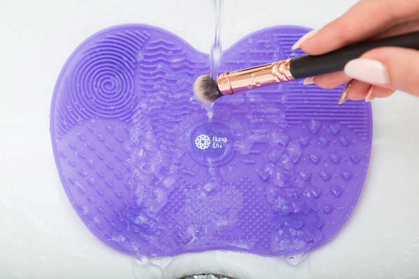 Paleta curatare pensule apple medium din silicon (purple) 1