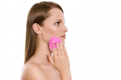 Burete curăţare facială din silicon (fuchsia)0