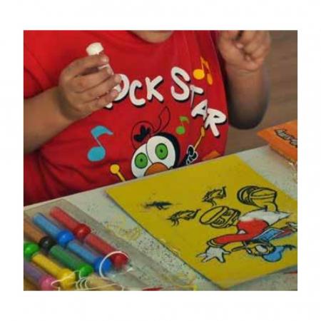 MASINA PORSCHE, Set creativ Pictura cu nisip colorat, 1 plansa 21 x 29,7 cm, 10 plicuri nisip multicolor, 1 betisor, 1 folie protectie, + 3 ani4