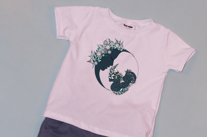 Compleu Tricou Alb cu Pantalon Scurt Gri Moon Flowers 1