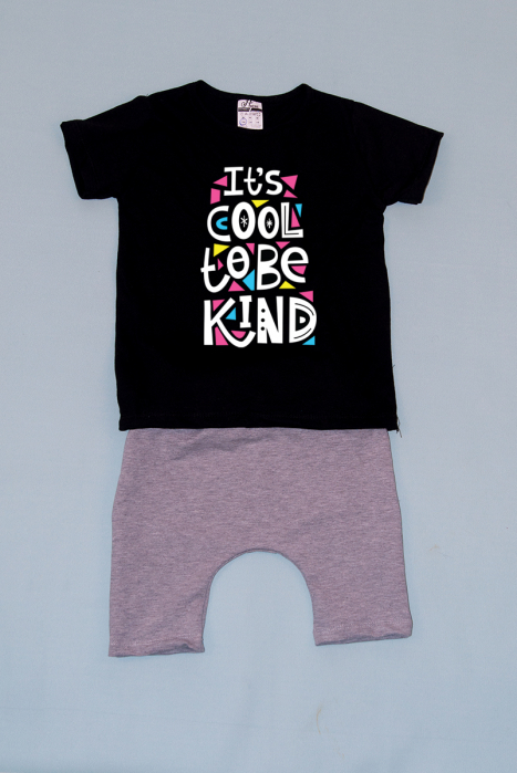 Compleu Tricou cu Pantalon Baggy Gri Be kind 0