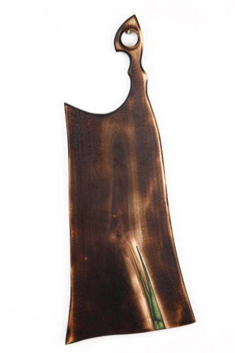 Platou servire din lemn de nuc cu rasina epoxidica [4]