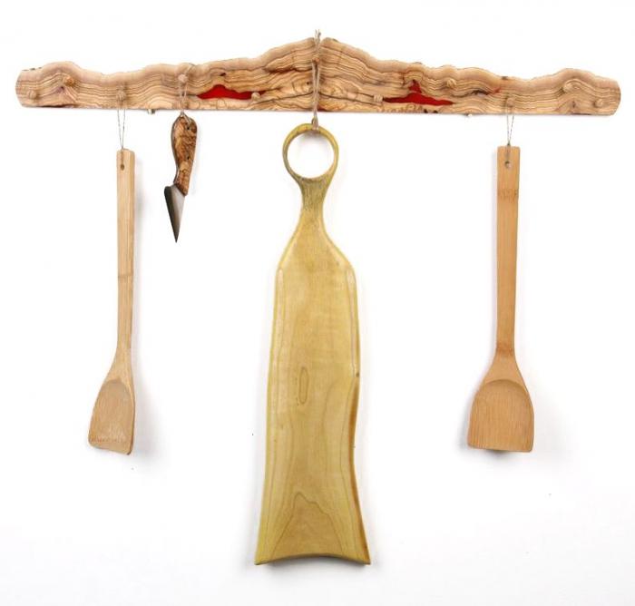 Cuier din lemn de maslin cu insertie de rasina epoxidica 2
