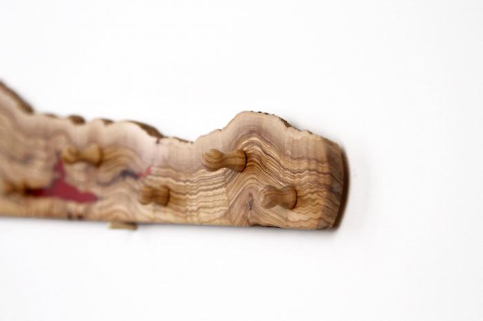 Cuier din lemn de maslin cu insertie de rasina epoxidica 7