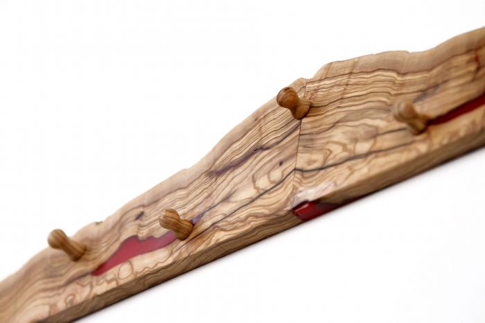 Cuier din lemn de maslin cu insertie de rasina epoxidica 8