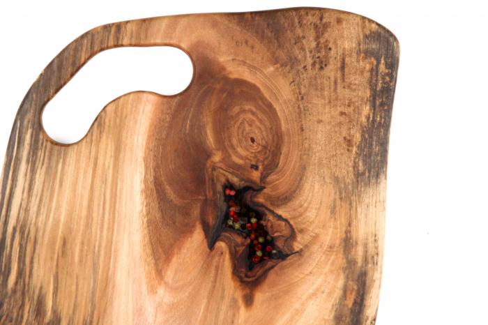 Platou de servire din lemn de nuc, culoare natur, cu insertie de rasina epoxidica [3]