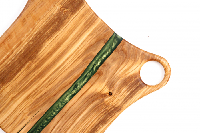 Platou de servire din lemn de maslin cu rasina epoxidica 6