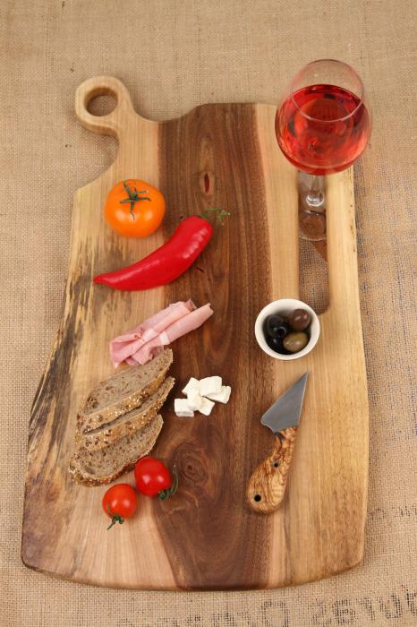Platou de servire din lemn de nuc, culoare natur. [0]