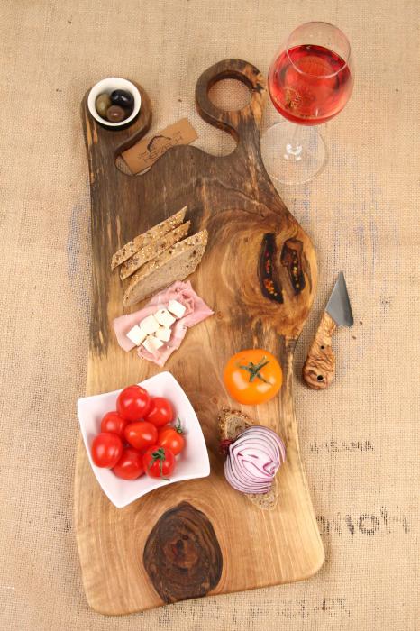 Platou de servire din lemn de nuc, culoare natur. 0