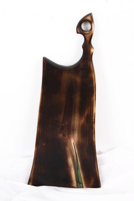 Platou servire din lemn de nuc cu rasina epoxidica [6]