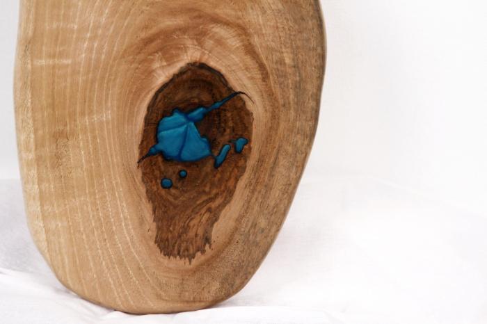 Platou servire din lemn de nuc cu insertie de rasina epoxidica 5
