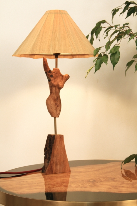 Bust din lemn de maslin cu insertie de rasina 0