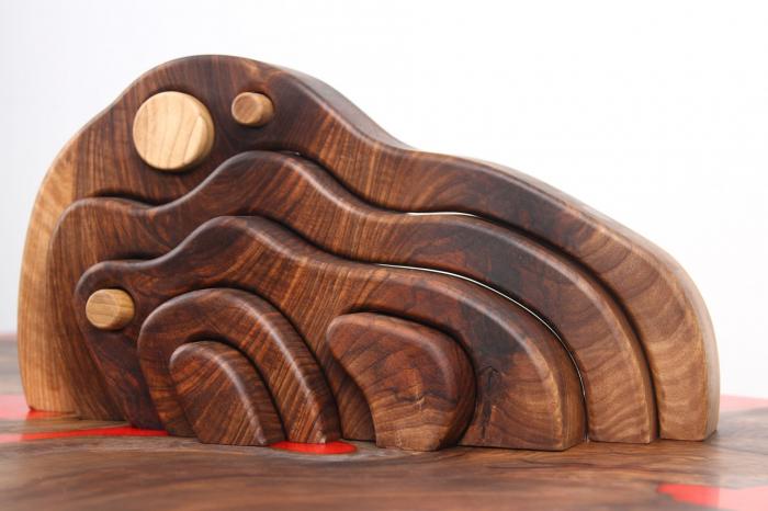 Puzzle decorativ din lemn masiv de nuc. 2