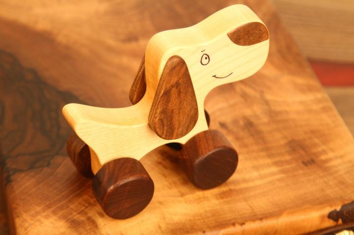 Jucarie din lemn cu roti, in forma de catelus 4