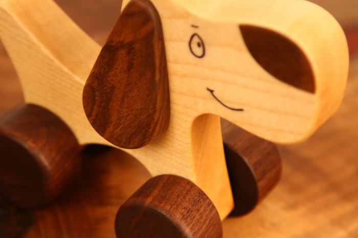 Jucarie din lemn cu roti, in forma de catelus 6