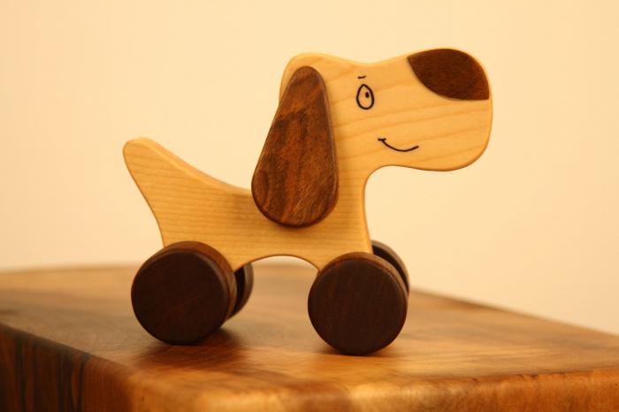 Jucarie din lemn cu roti, in forma de catelus 3