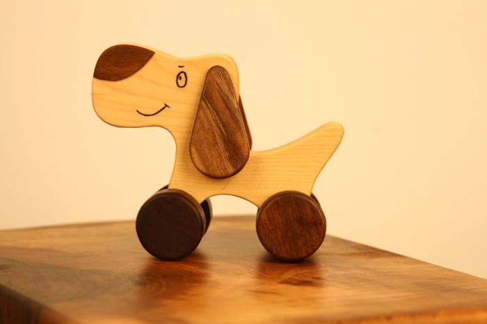 Jucarie din lemn cu roti, in forma de catelus 7