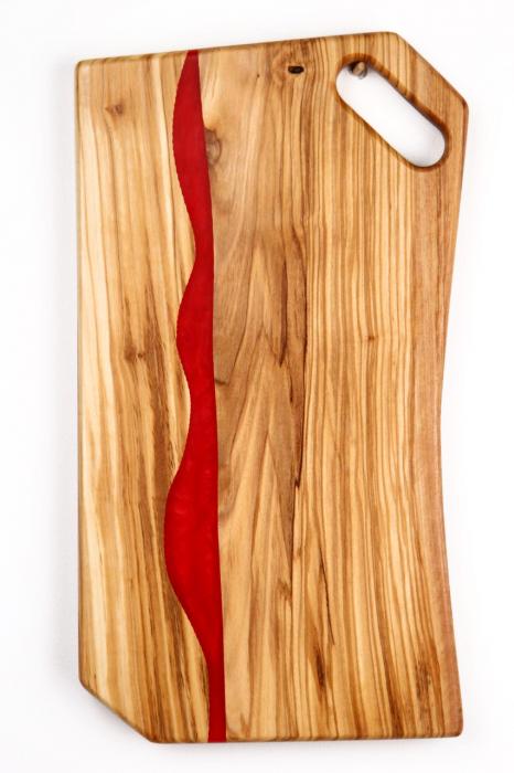 Platou de servire din lemn de maslin cu rasina epoxidica 1