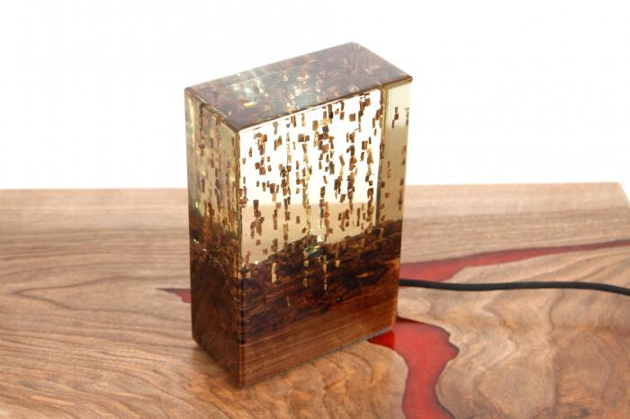 Lampa din rasina epoxidica cu lemn de maslin [2]