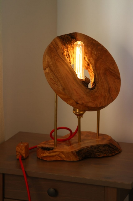 Lampa din lemn de maslin [7]