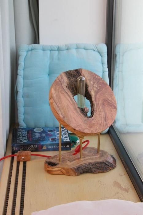 Lampa din lemn de maslin [3]