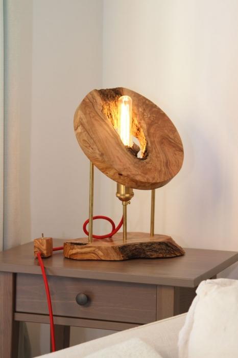 Lampa din lemn de maslin [6]