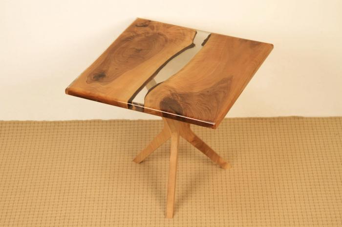 Masa de cafea din lemn de nuc cu rasina transparenta [5]