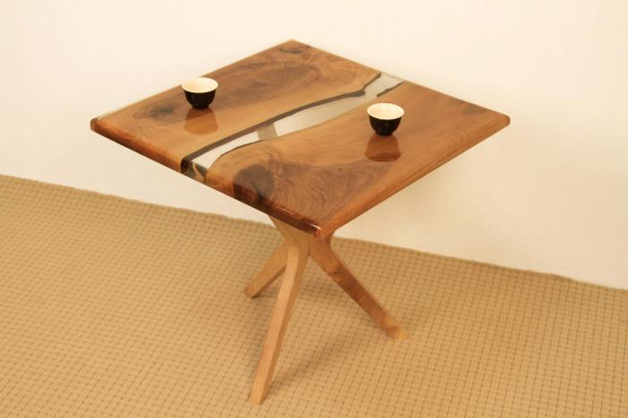 Masa de cafea din lemn de nuc cu rasina transparenta [2]