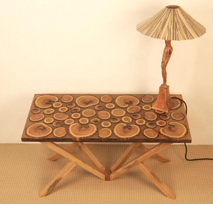Masa din lemn de salcam inserat in rasina epoxidica transparenta 15