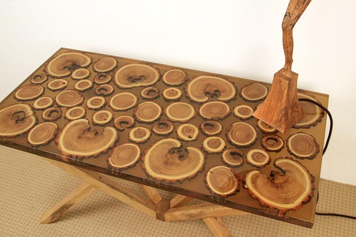 Masa din lemn de salcam inserat in rasina epoxidica transparenta 18