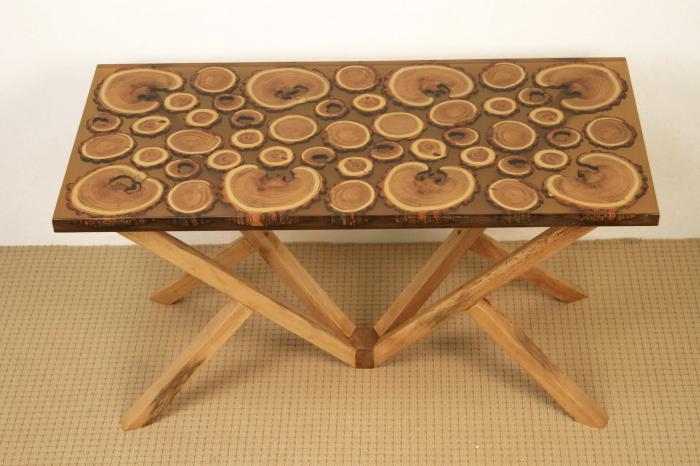 Masa din lemn de salcam inserat in rasina epoxidica transparenta 0