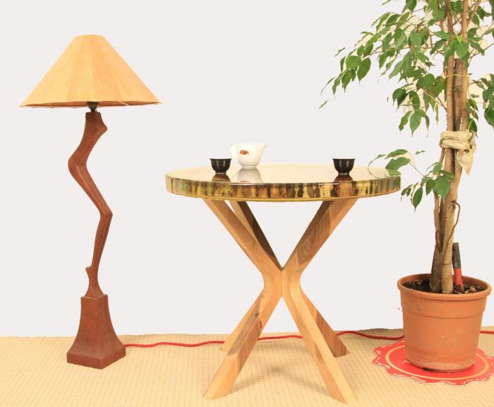 Masa din lemn de nuc inserata in rasina epoxidica verde translucid 9