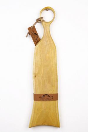Platou servire din lemn de nuc dintr-o singura bucata, colorat cu turmeric [1]