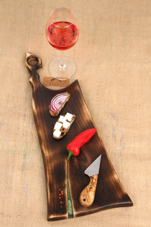 Platou servire din lemn de nuc cu rasina epoxidica [0]