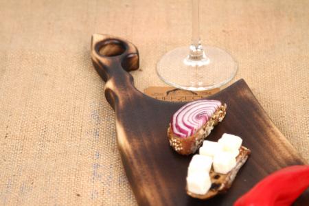 Platou servire din lemn de nuc cu rasina epoxidica [3]