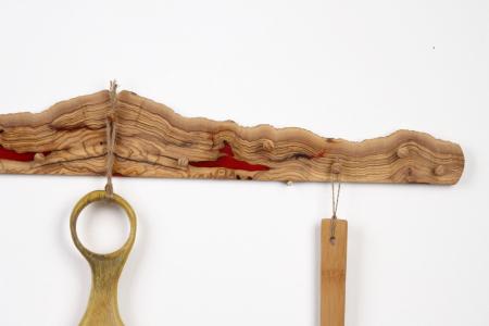 Cuier din lemn de maslin cu insertie de rasina epoxidica [4]