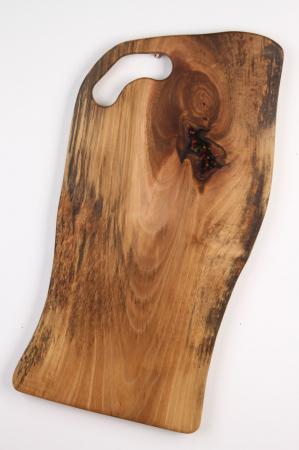 Platou de servire din lemn de nuc, culoare natur, cu insertie de rasina epoxidica [1]