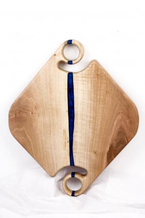 Platou servire din lemn de nuc cu insertii de rasina epoxidica [3]