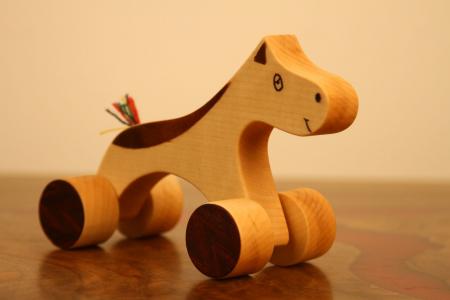 Jucarie din lemn calut4