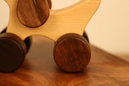 Jucarie din lemn Catelus8