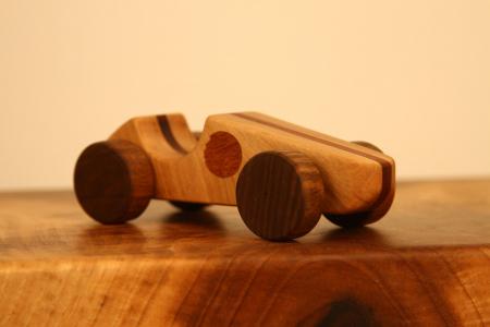 Jucarie din lemn cu roti, forma masina de curse [5]